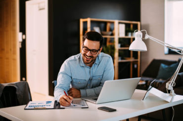 How to manage remote employee performance